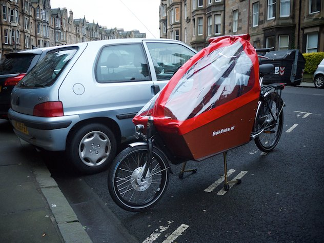 Bakfiets cargo bike in Edinburgh