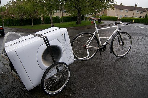 Quite apart from that, the trailer also offsets the purchase of a pannier rack and panniers, which I otherwise wouldn't use (except for touring, ...